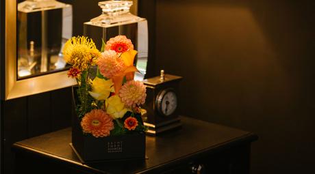 寝室の花束