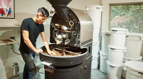 コーヒー豆 焙煎中