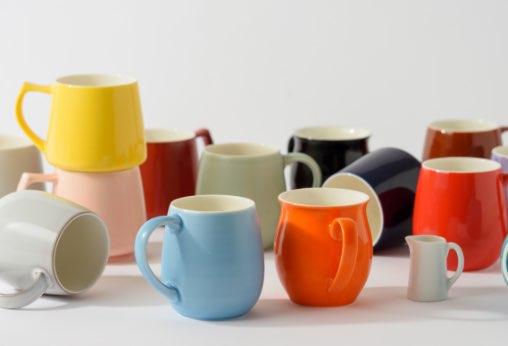 1つずつ色と形を選べる、ペアマグカップ