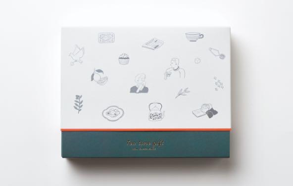さまざまなティーシーンのイラストが施されたパッケージです。